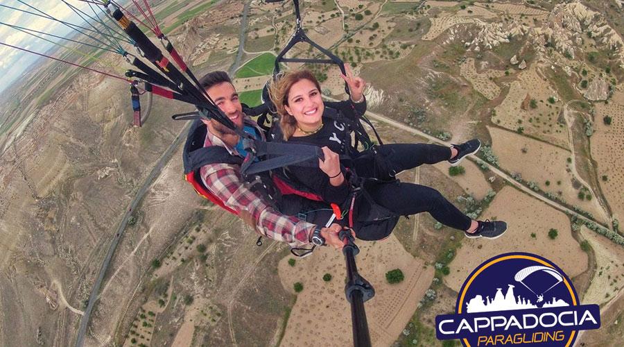 Kapadokyada Yamaç Paraşütü Turları